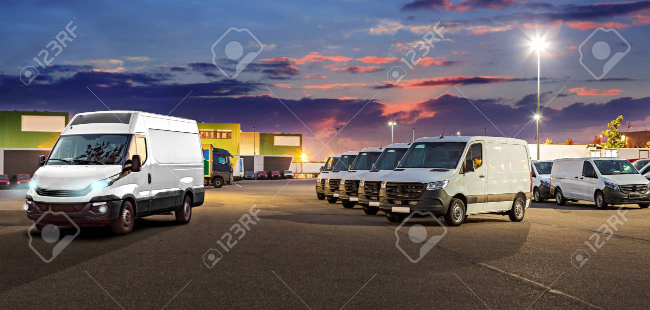 a panoramic picture in webpage format for cargo fleet or car dealership - 122178376