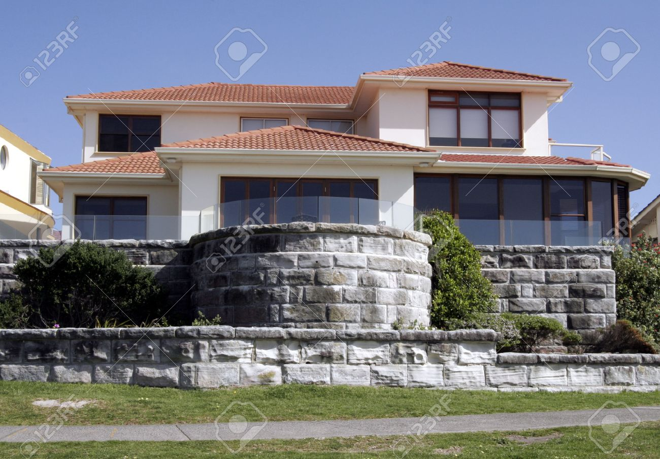 Mansion, Villa With Clear Blue Sky Background, Sydney, Australia Stock Photo - 1639556