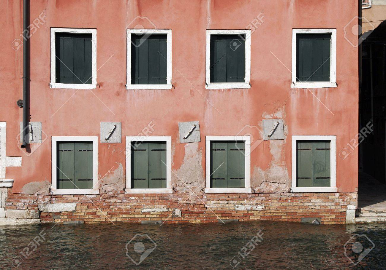Venice, Windows - Typical Old Building Water Front Facade And Canal, Italy Stock Photo - 2569932
