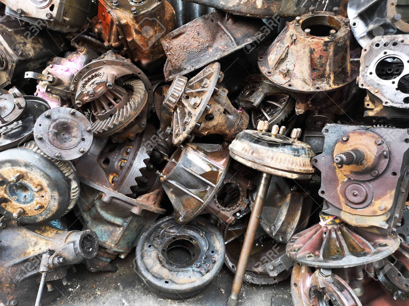 Used Car Engines >> Assorted Used And Surplus Car Engines And Other Car Parts Are