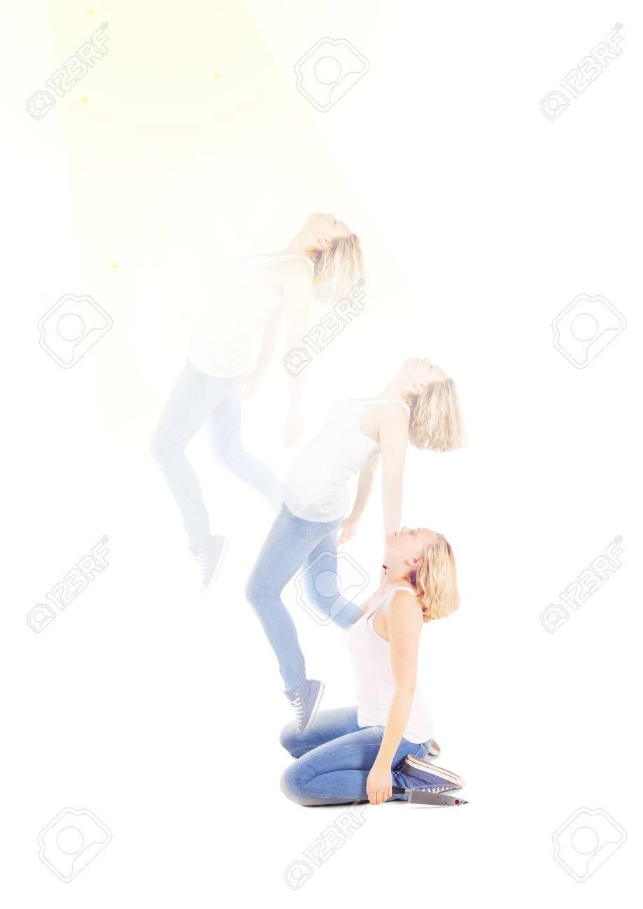 Espíritu O El Alma Dejando El Cuerpo De Una Mujer Joven Fotos Retratos Imágenes Y Fotografía De Archivo Libres De Derecho Image 58918345