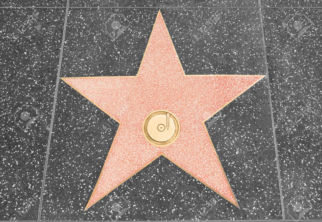 Star on the walk of fame with copy space - 62493965