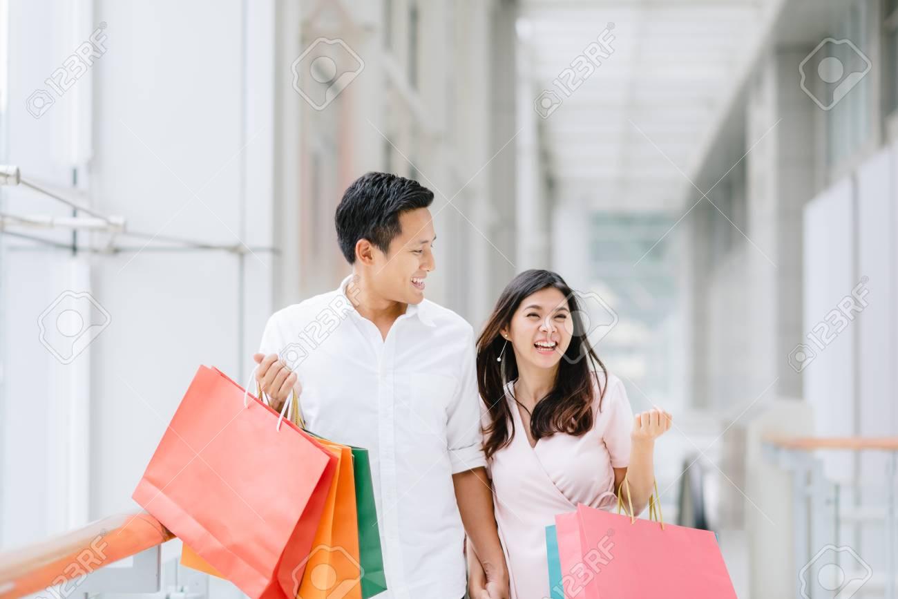 shopping dating fun)