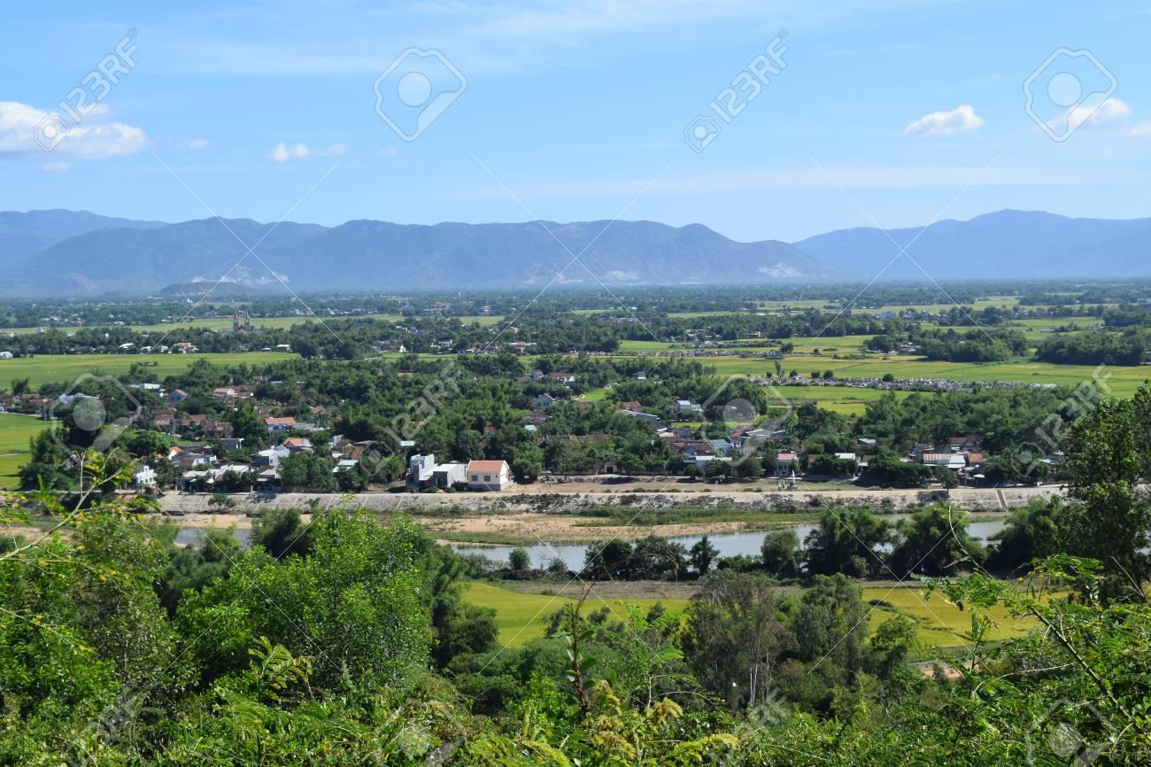 東南アジア農村、ビンディン省、...