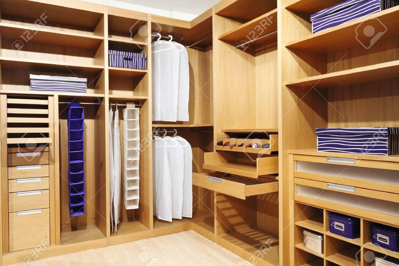 Дизайнерские проекты гардеробных комнат