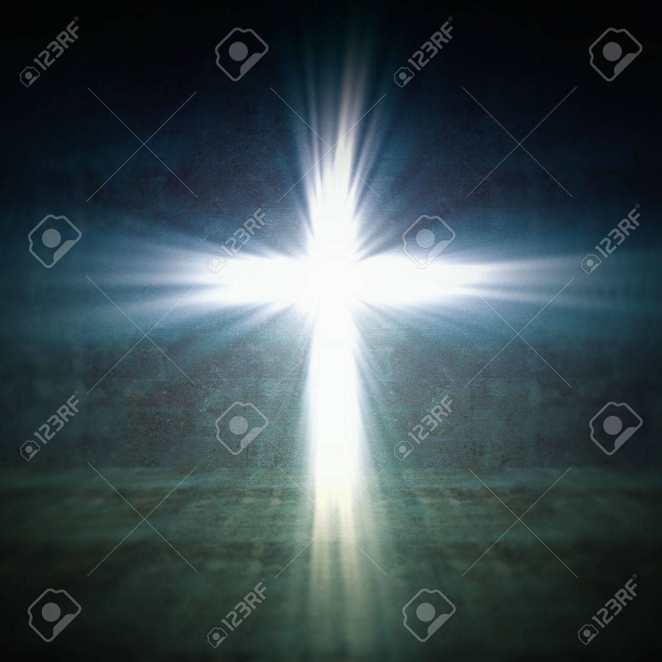 3d image of cross of light Stock Photo - 11289914