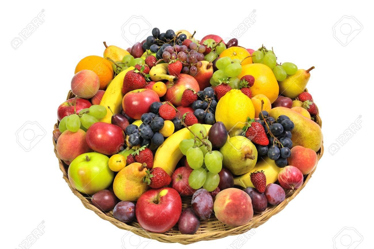 Génie, exauce mon voeu ! - Page 4 12203571-woven-basket-full-of-fruit