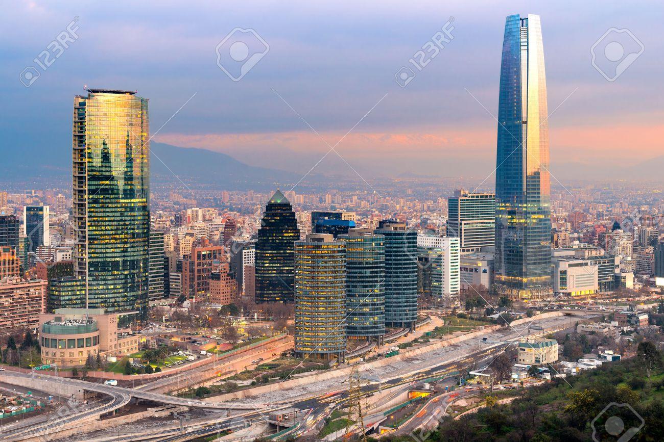 Skyline Von Santiago De Chile Mit Modernen Bürogebäuden Im