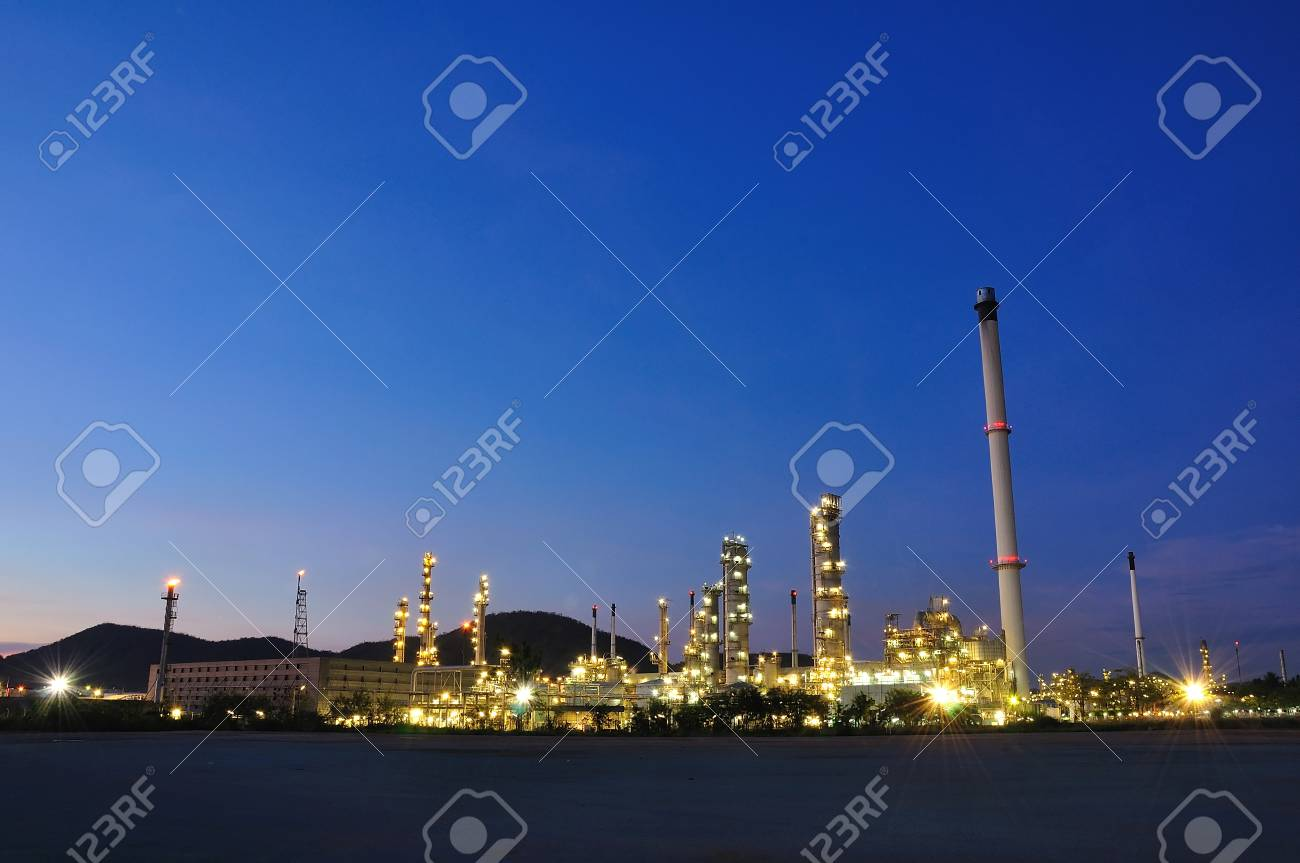 Petrochemical plant on twilight Stock Photo - 12253550