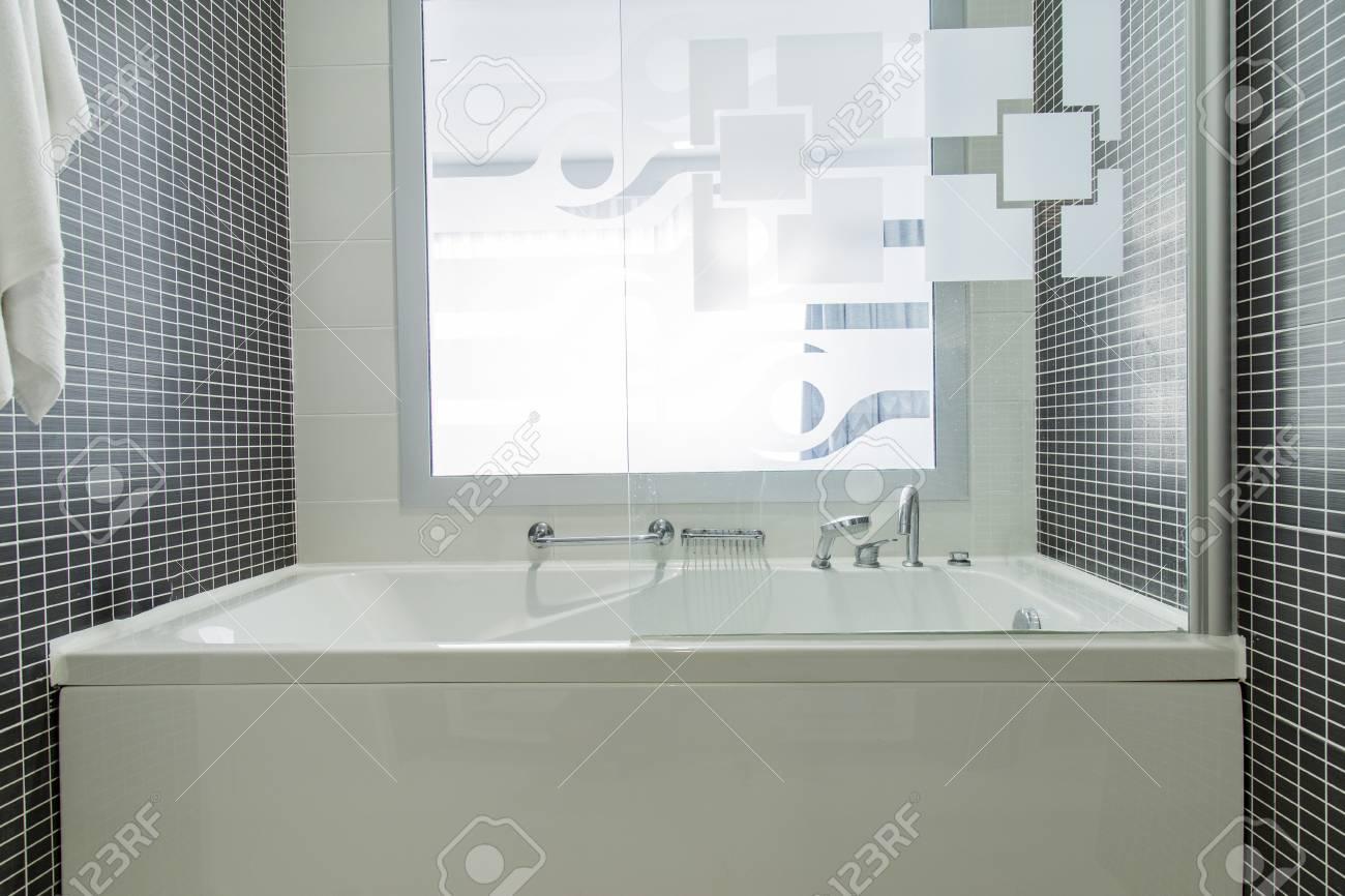 Vasca Da Bagno Vista : Prototipo vasca da bagno in vetro e onice vetreria roberglass