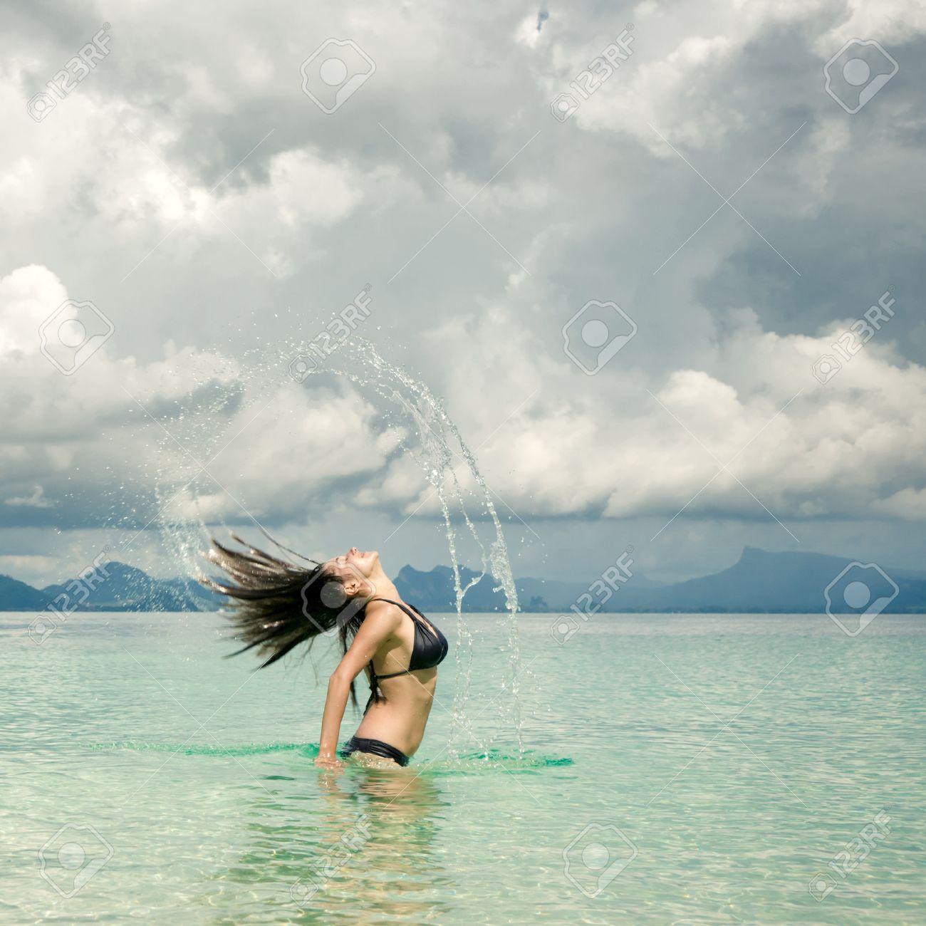 Море волосы купание