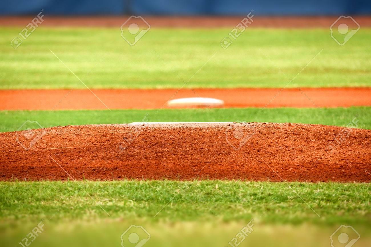 野球投手のマウンド の写真素材・画像素材 Image 47924200.