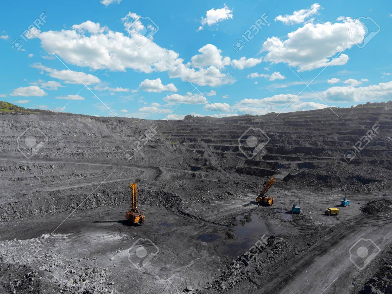 Open pit mine, breed sorting, mining coal, extractive industry anthracite, Coal industry - 88899691