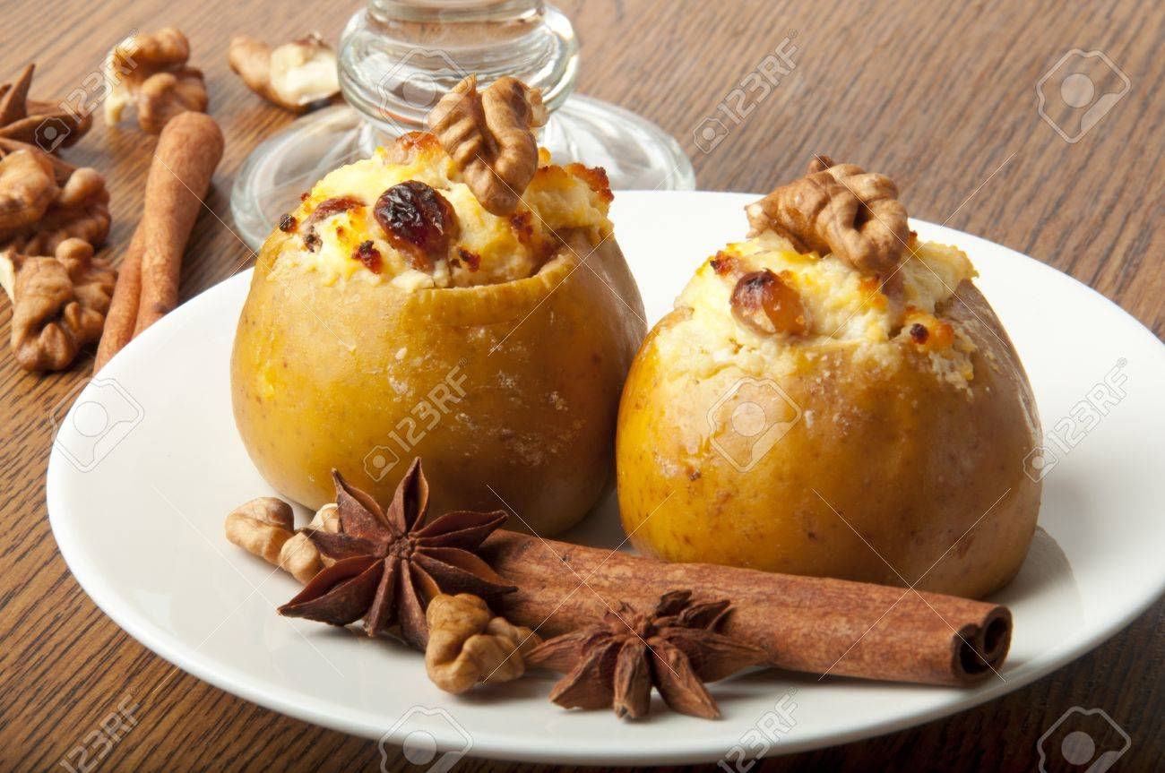 Baked apples with cottage cheese - a favorite dessert 63