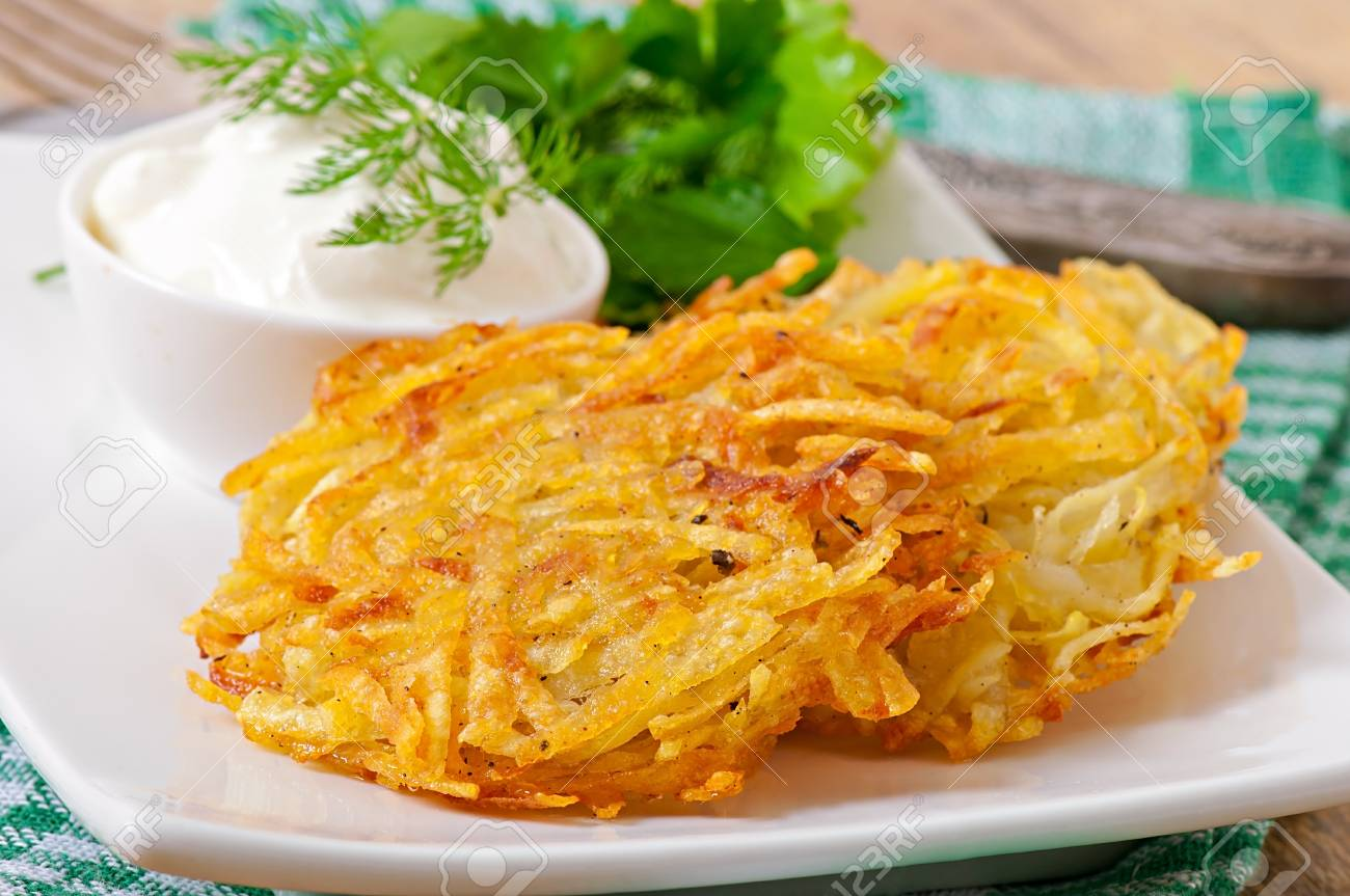 Fragrant potato with sour cream in the oven: satisfying and tasty 5