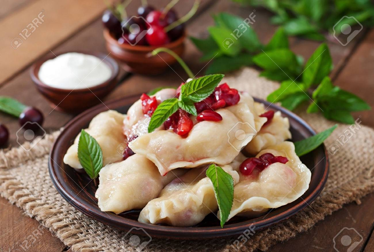 How to cook dumplings with steamed cherries - a delicious recipe