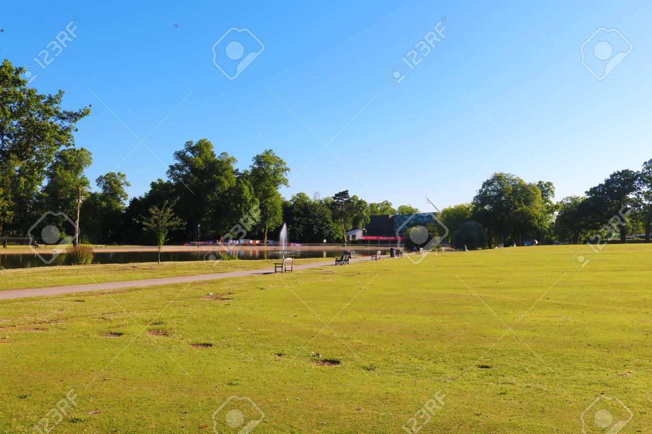 Cannon Hill Park birmingham Stock Photo - 81488901