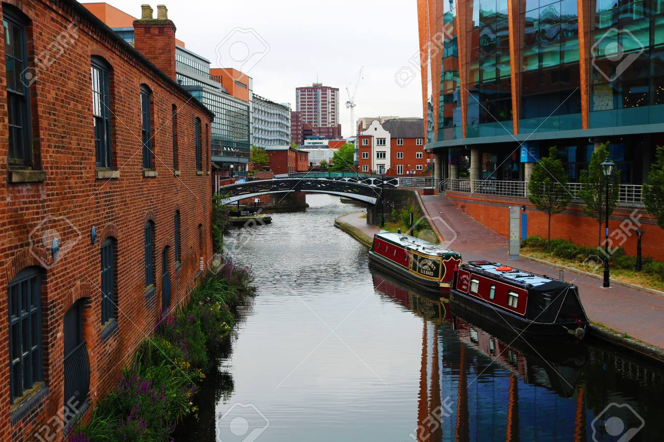 UK England Birmingham broad street canal  boats and bridge Stock Photo - 83377783