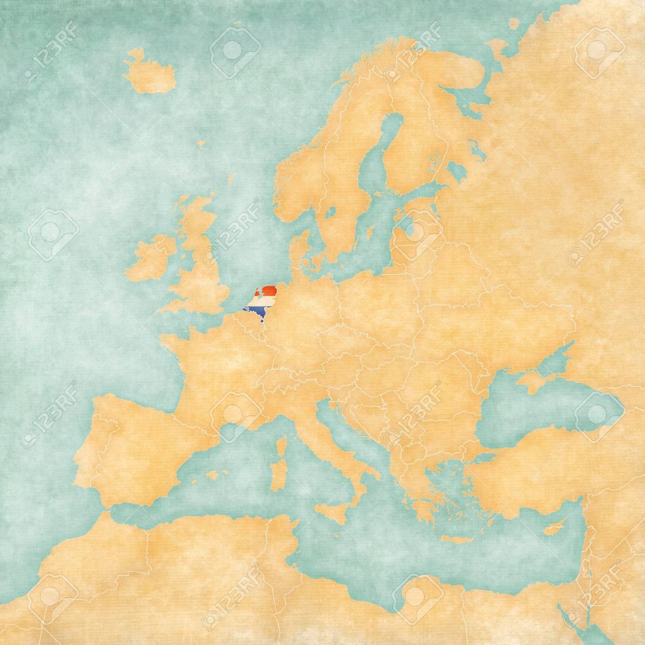 Carte De Leurope En Neerlandais.Drapeau Neerlandais Neerlandais Sur La Carte De L Europe La Carte Est Dans Le Style De Cru D Ete Et L Humeur Ensoleillee La Carte Dispose D Un