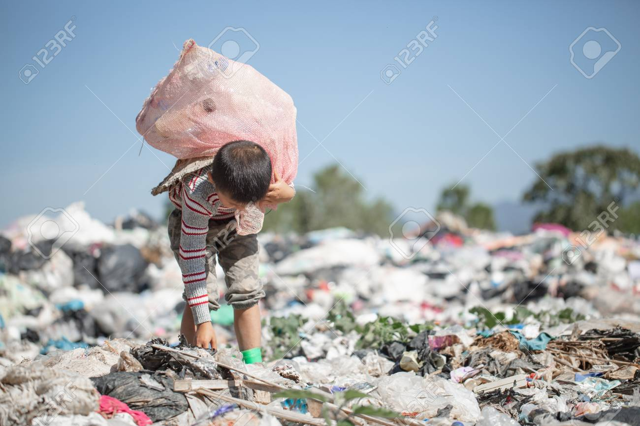 Children are junk to keep going to sell because of poverty, World Environment Day, Child labor, human trafficking, Poverty concept - 114537251