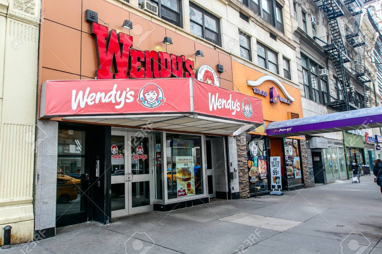 New York March 11 2017 A Wendys Fast Food Restaurant On 14th