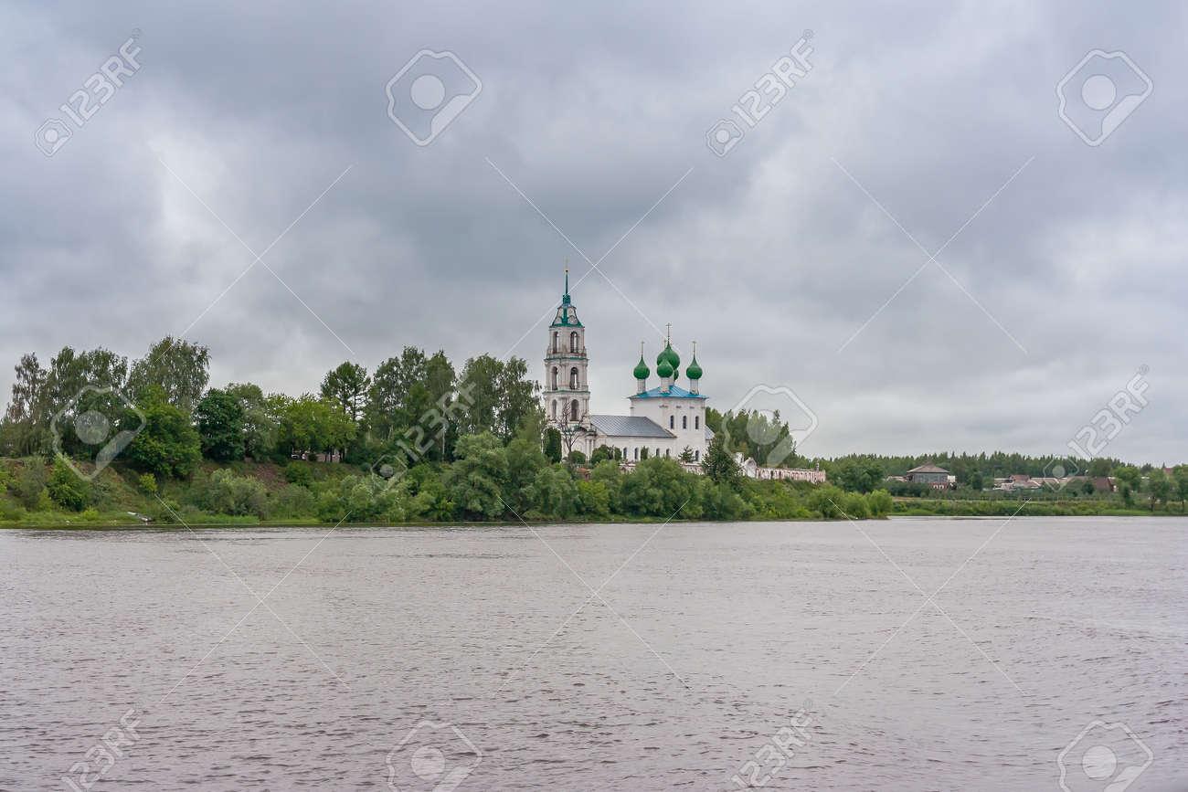 Church of the Life-Giving Trinity in Dievoye Gorodishche, Yaroslavl Region - 144347354