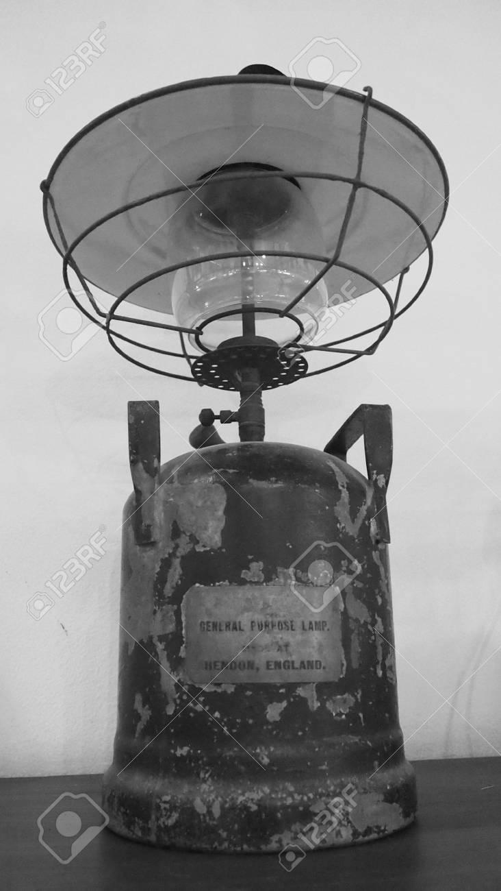 Fantastisch Vintage Drahtversorgung Galerie - Elektrische Schaltplan ...