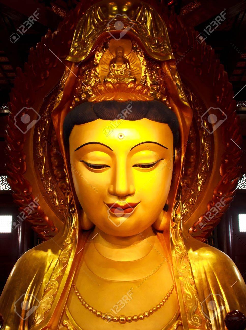 Guan Yin Statue wonderful (yin, kuan, quan) - 12157198-Guan-Yin-Statue-wonderful-Stock-Photo-yin-kuan-quan