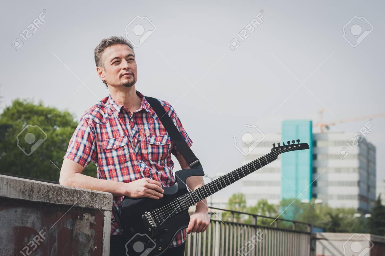 Jouer Homme Courtes Manches Électrique Guitare De En La À Chemise pHrqyw7XAH