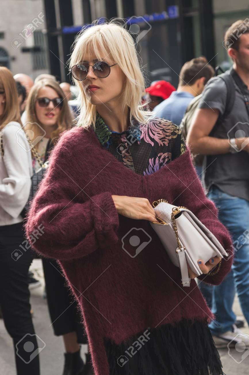 MILAN, ITALY - SEPTEMBER 23, 2016: Linda Tol Poses Outside Marco ...
