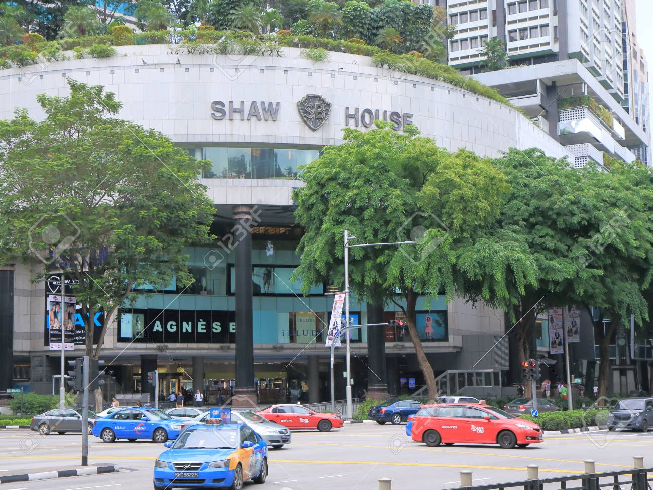 Singapore, Singapore - 26 May, 2014 Popular Shaw Centre shopping complex in Orchard road Singapore - 30246172