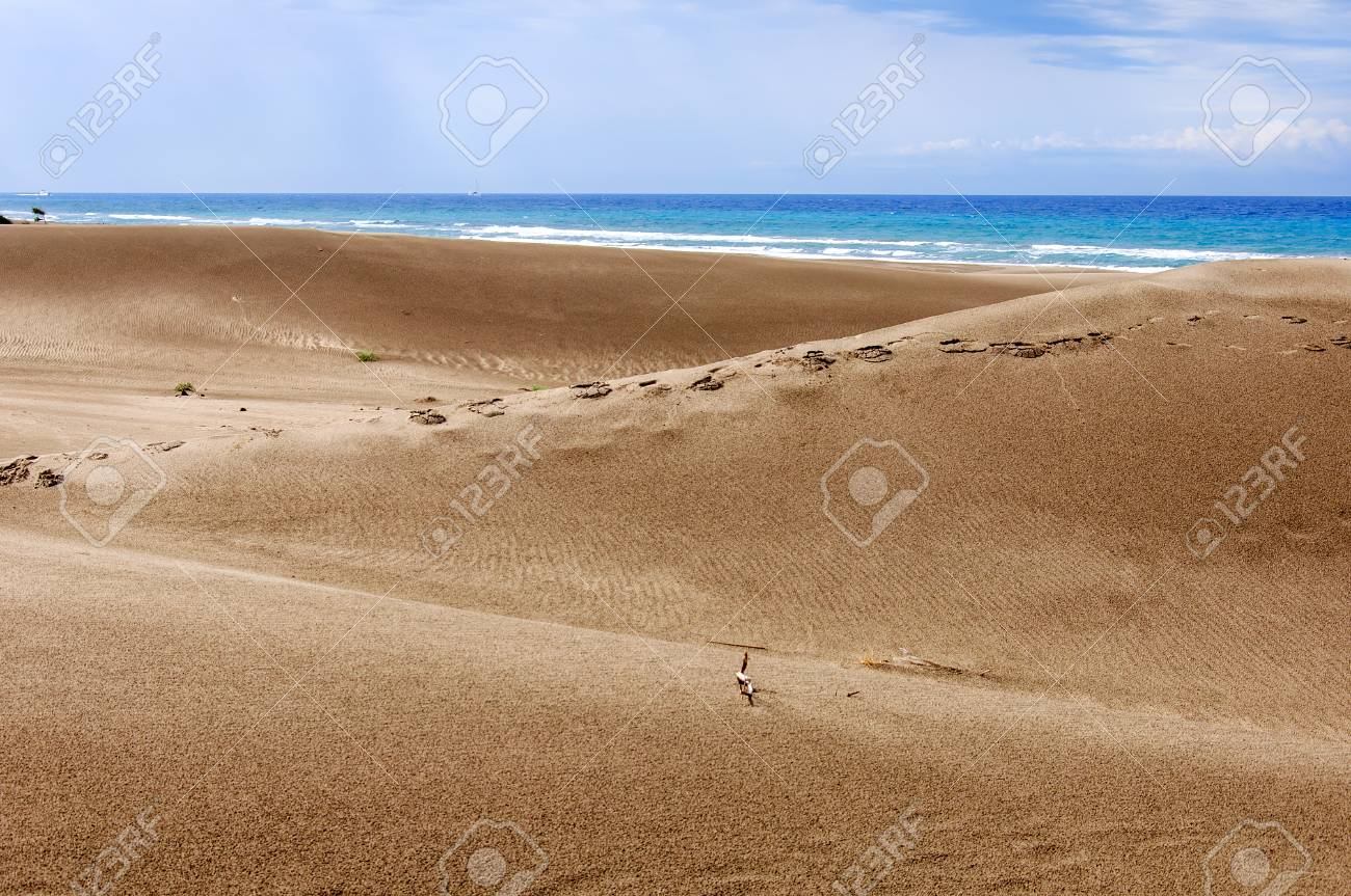 Image of: Dune Huge Dunes Of The Desert Fine Place For Photographers And Travelers Beautiful Structures Of 123rfcom Huge Dunes Of The Desert Fine Place For Photographers And Travelers