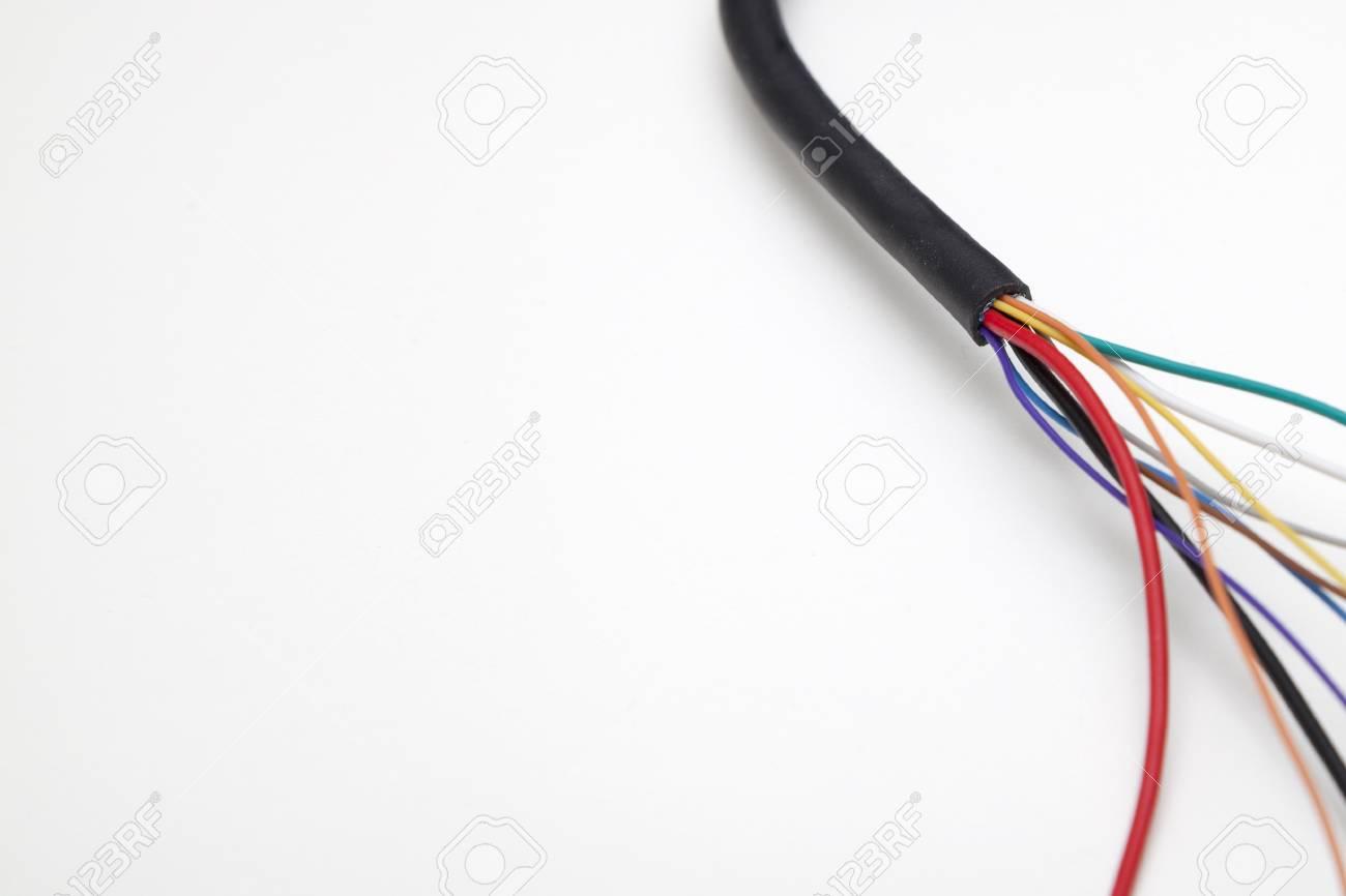 Bunte Elektrische Kabel Auf Weißem Hintergrund Lizenzfreie Fotos ...