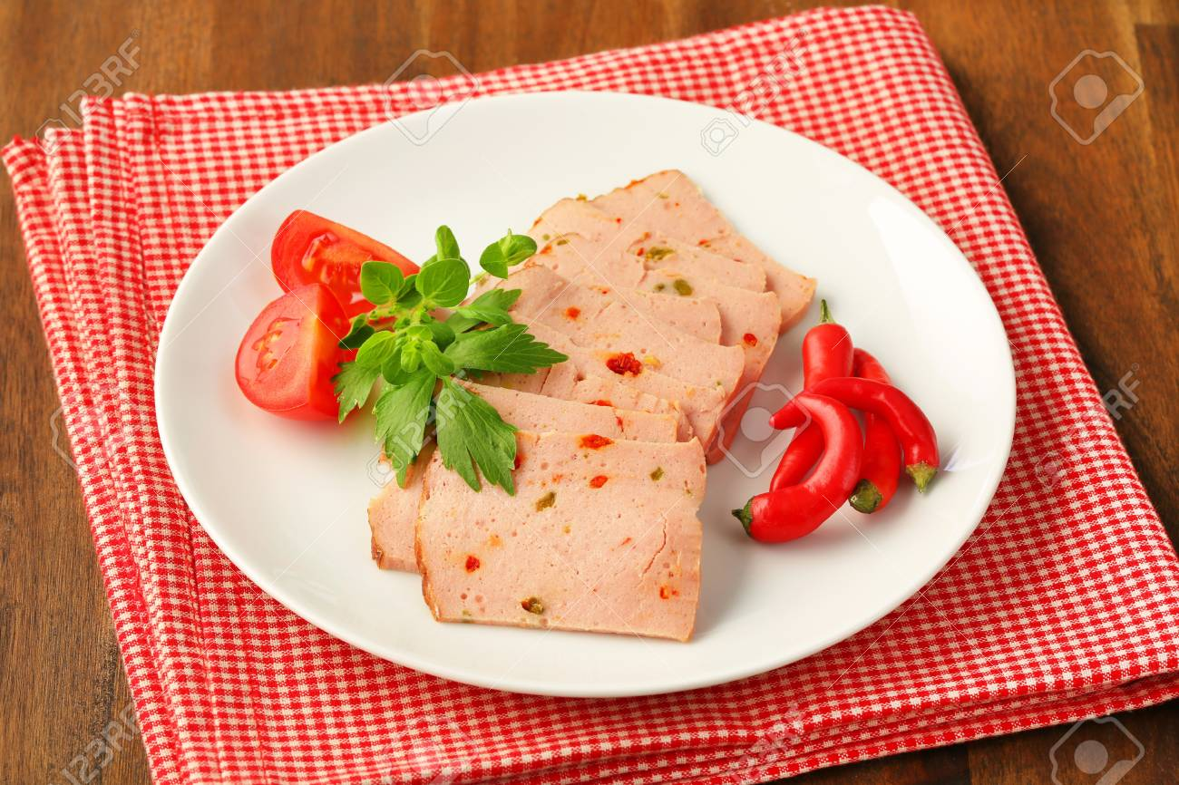 Thinly sliced German style meatloaf Stock Photo - 20536188