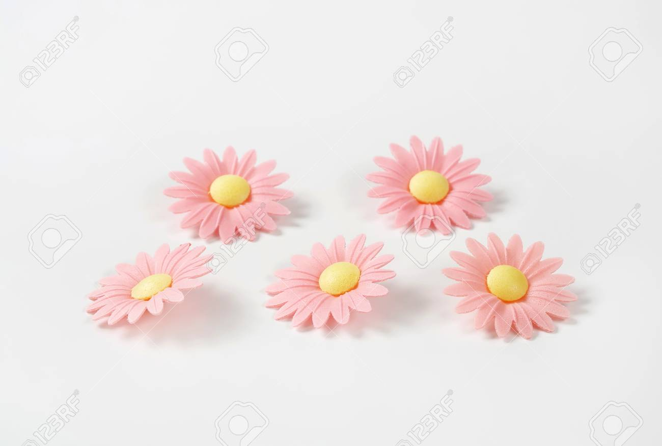 Edible Wafter Paper Daisy Flowers For Cake Decoration Stock Photo
