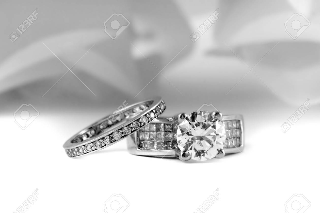Wedding Rings With Brilliant and Princess Cut Diamonds Stock Photo - 840668