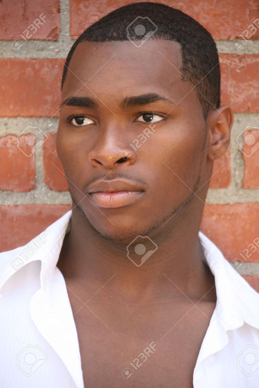 アフリカ系アメリカ人男性の肖像画 の写真素材・画像素材 Image 3335271.