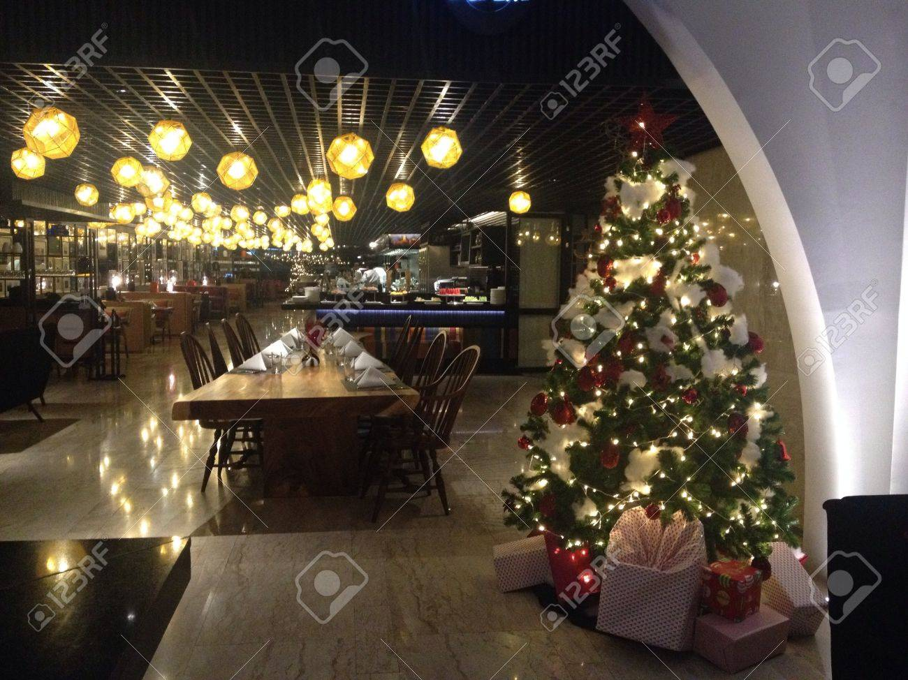 christmas tree restaurant
