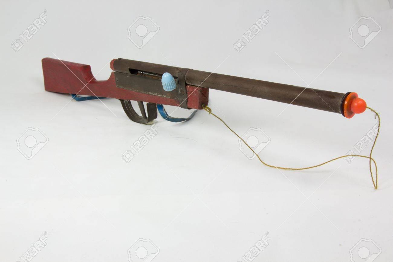 pop-out string wooden toy gun