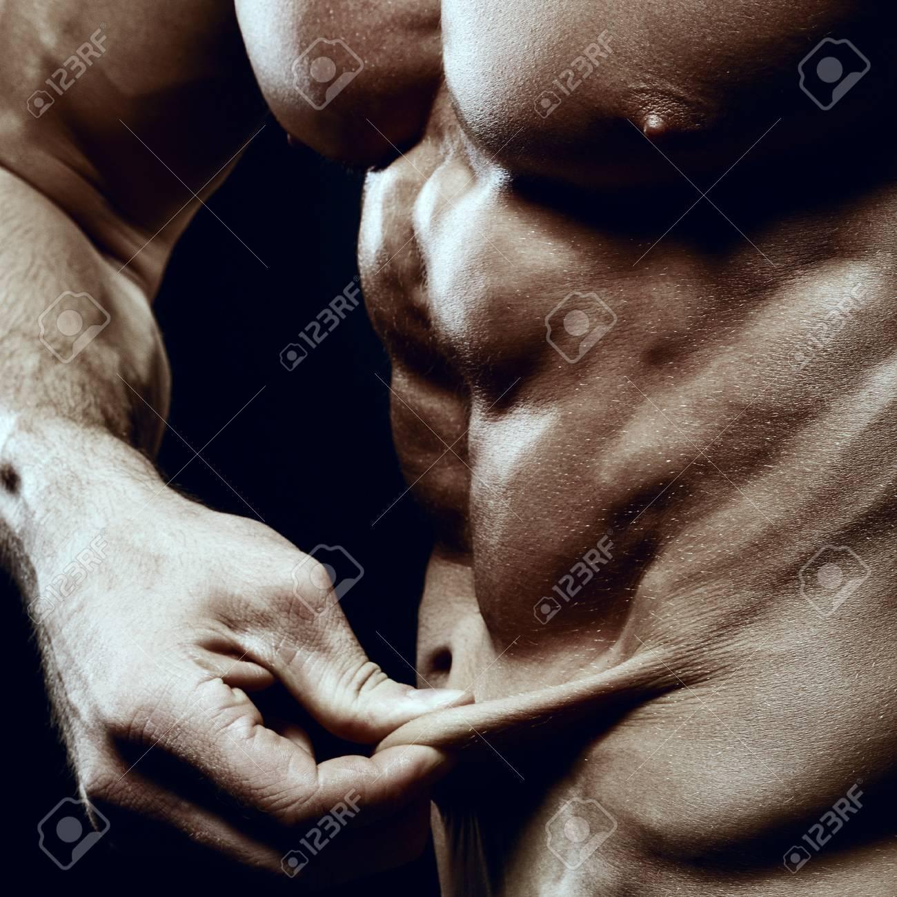 Culturista Demuestra Una Falta De Grasa En Mi Estómago. Cuerpo ...