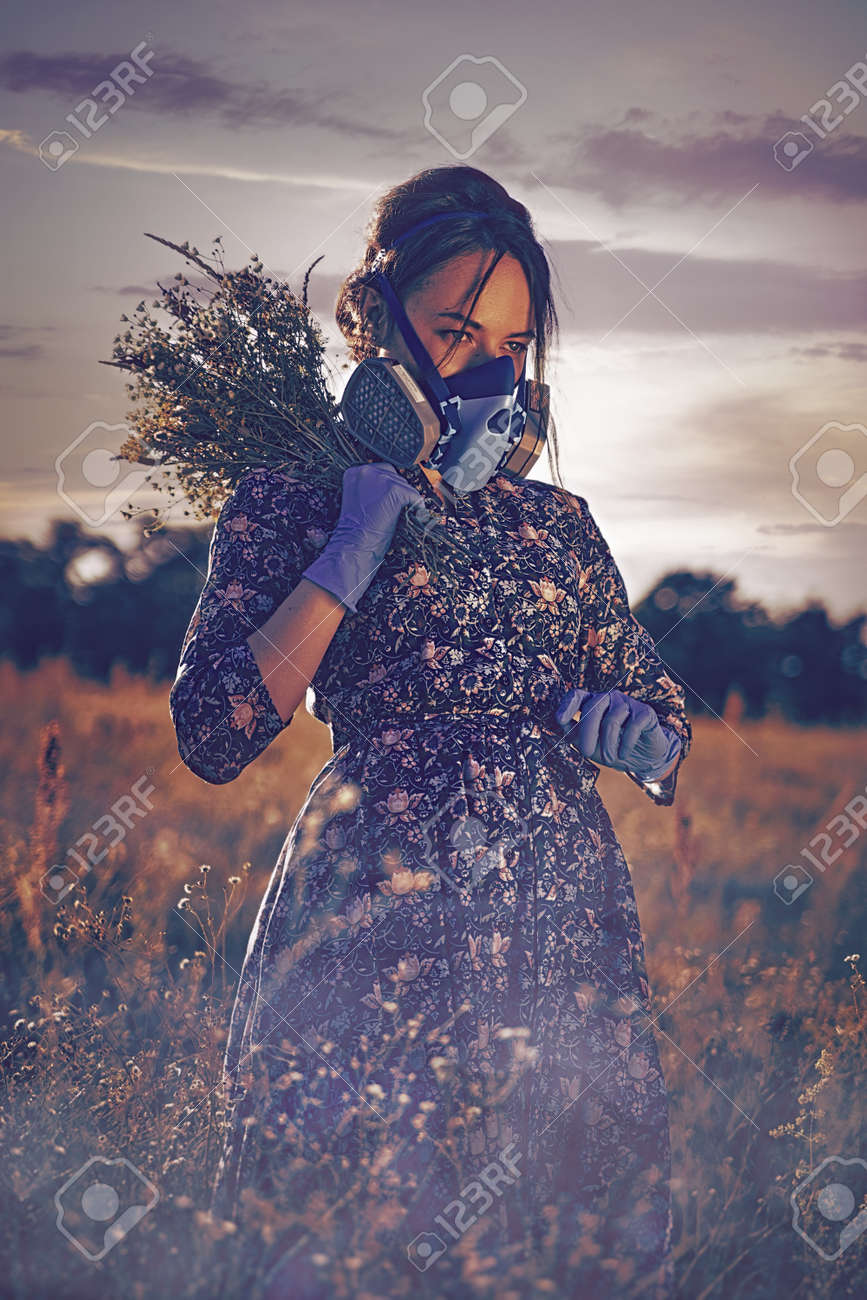 Poisoned Morning. Apocalyptic female portrait in the summer meadow - 159316652