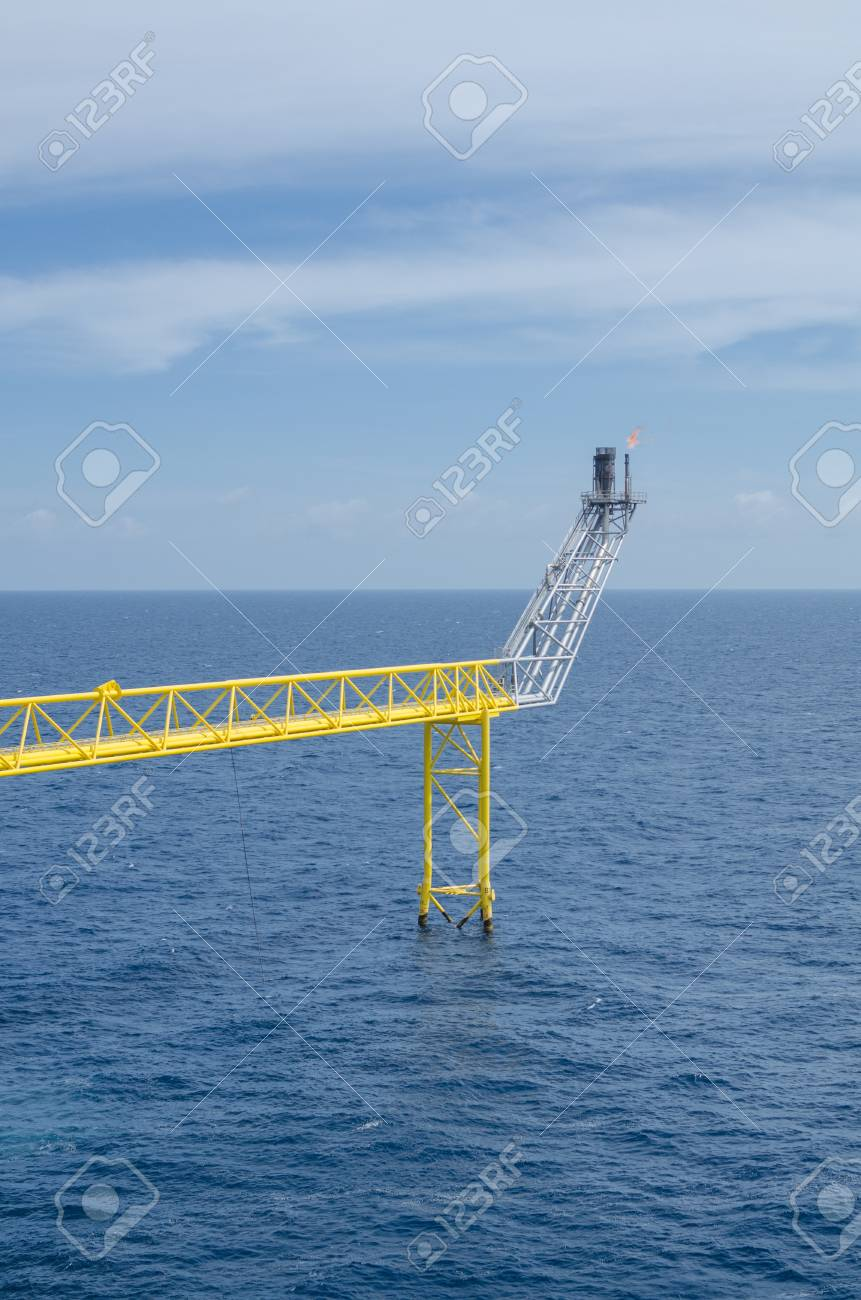 Offshore platform in south of Thailand Stock Photo - 14713304