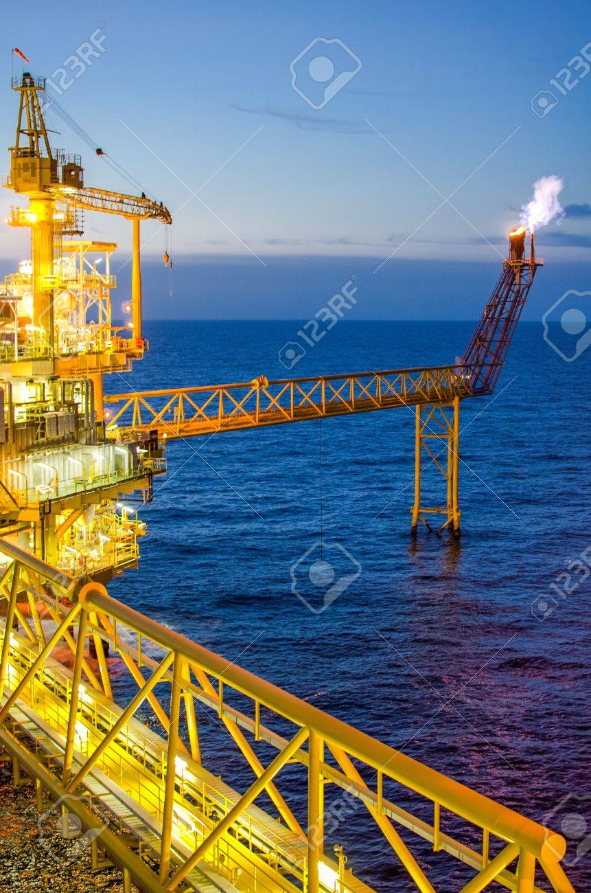 Offshore platform in south of Thailand Stock Photo - 14713373