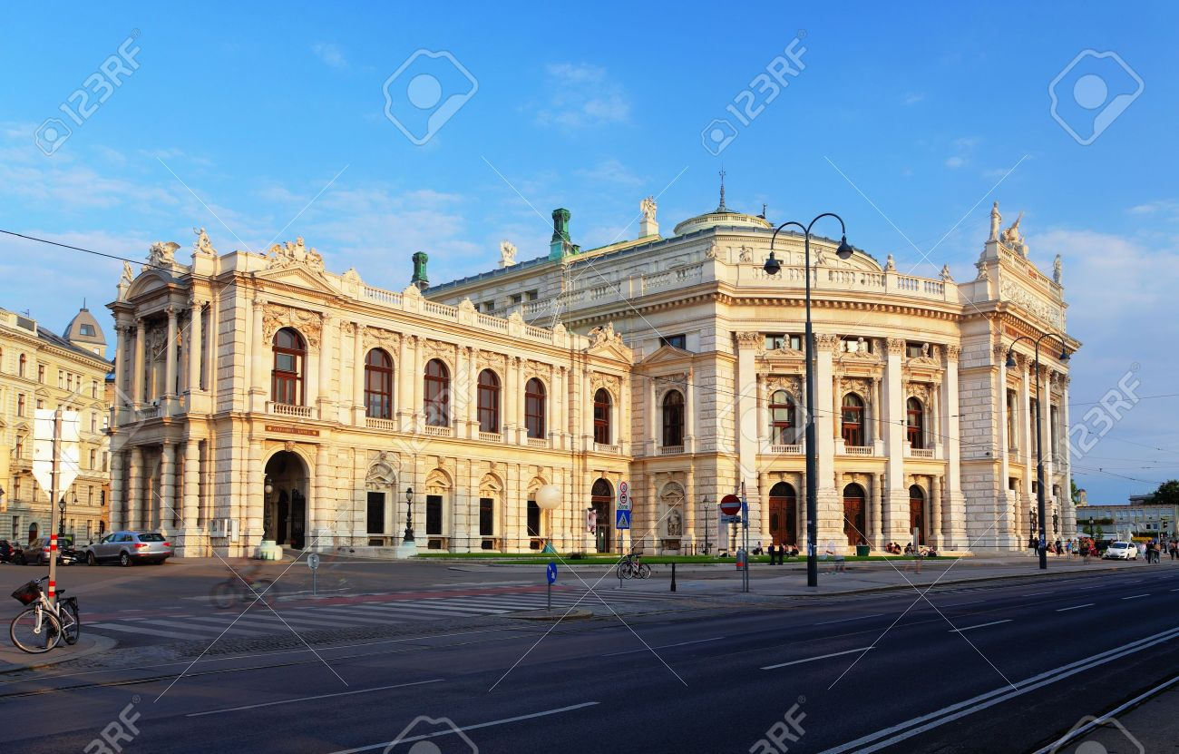 Burgtheater is the Austrian National  Theatre in Vienna Stock Photo - 16466046