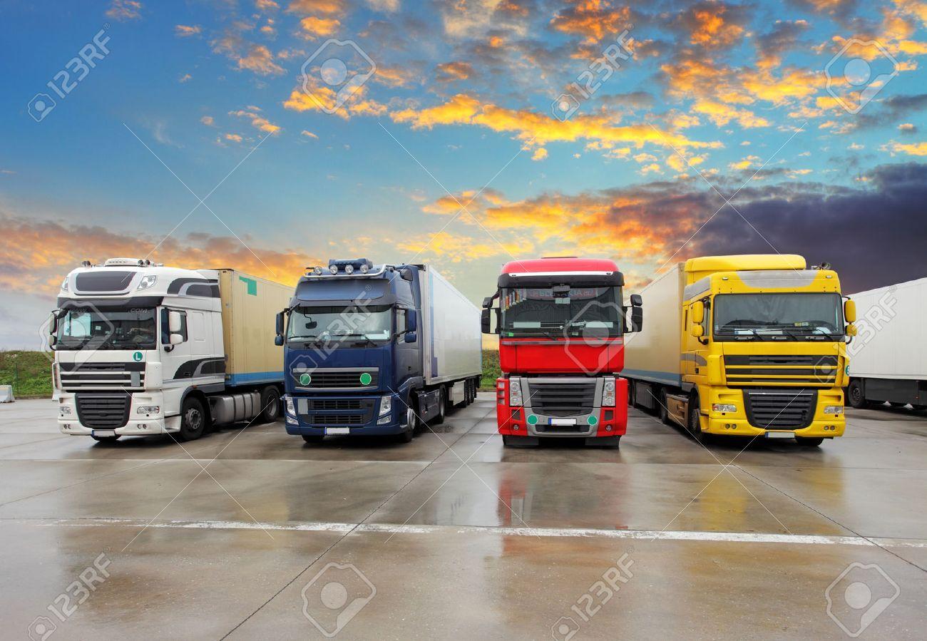 Truck - Freight transportation Stock Photo - 33648331