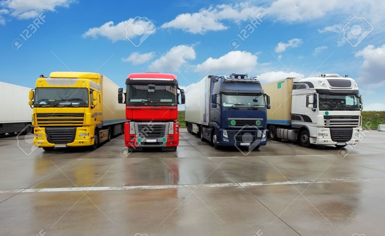 cargo truck images u0026 stock pictures royalty free cargo truck