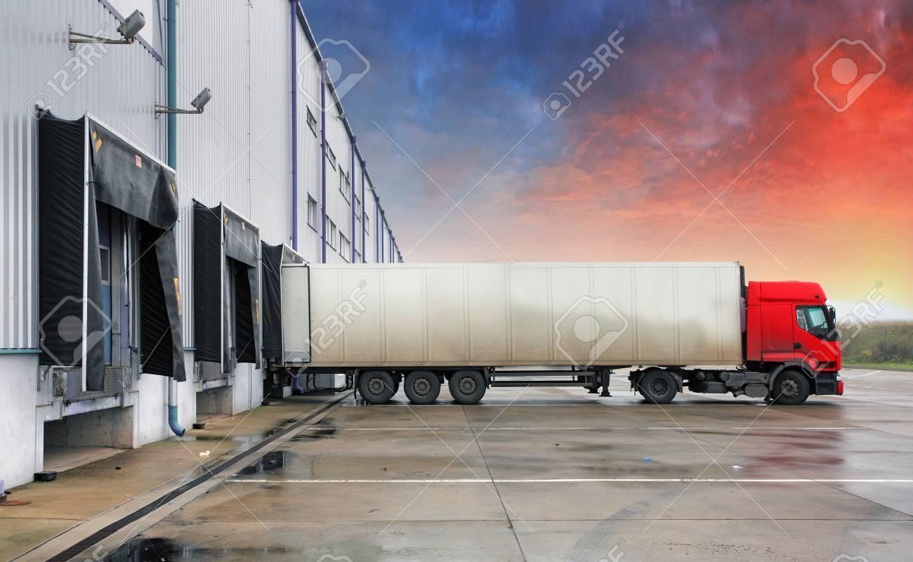 Truck, transportation - 52447879