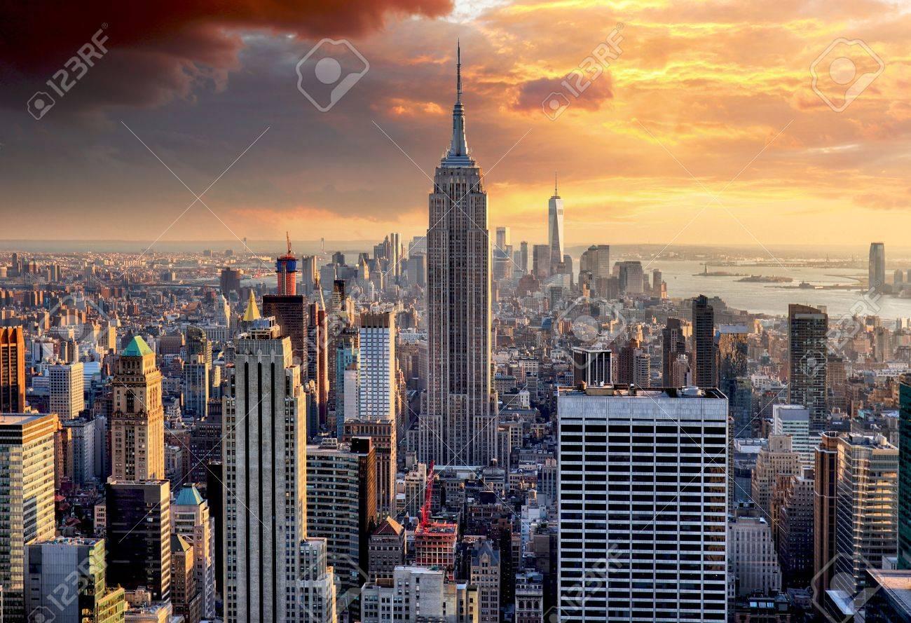 New York skyline at sunset, USA. - 59200235