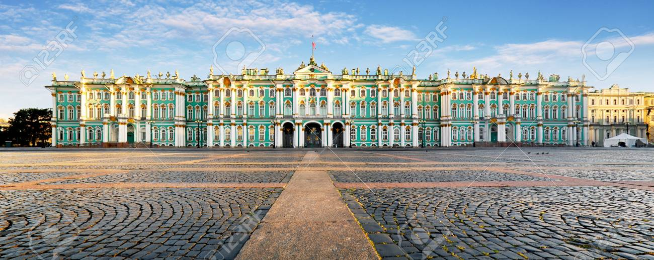 Russia - St. Petersburg, Winter Palace - Hermitage at day, nobody - 112569682