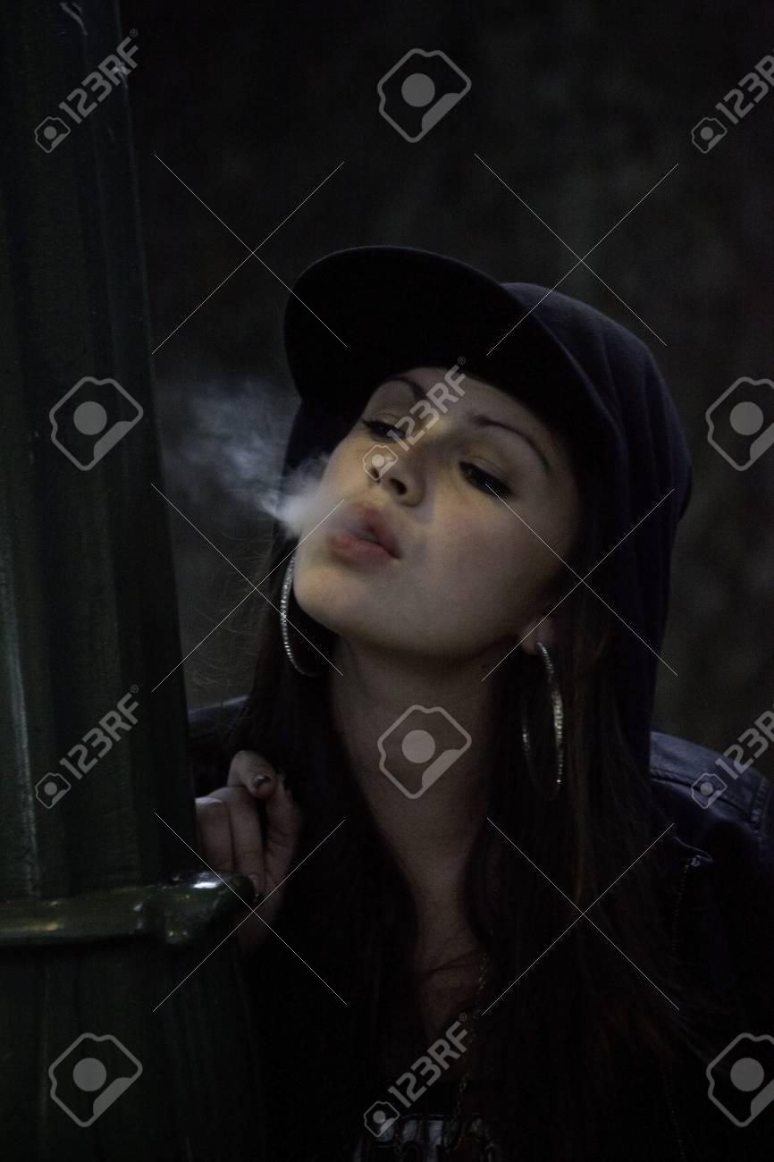 Zigaretten Teenager-Mädchen rauchen Probleme